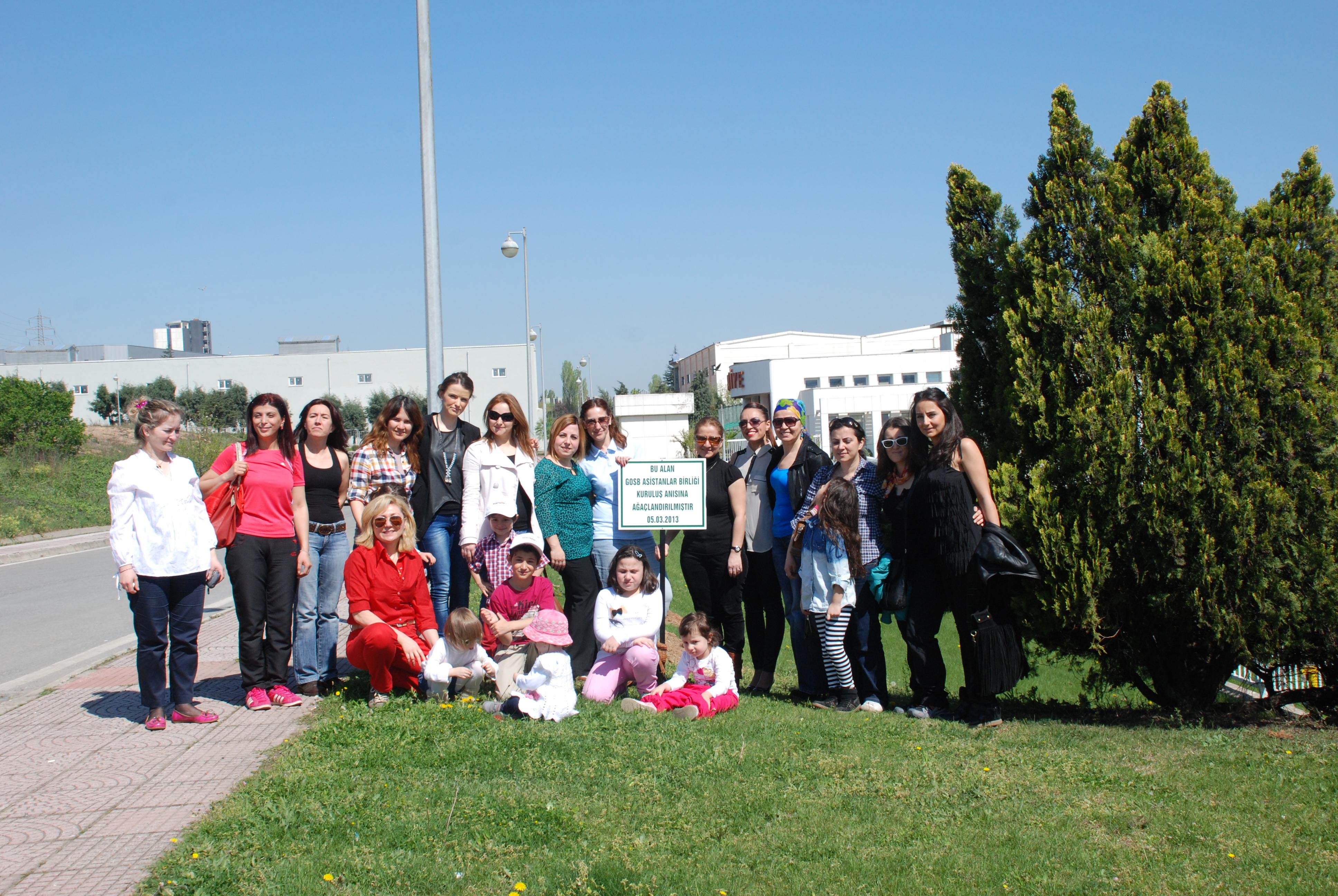 GOSB da çocuklarımızla beraber ağaç diktik.