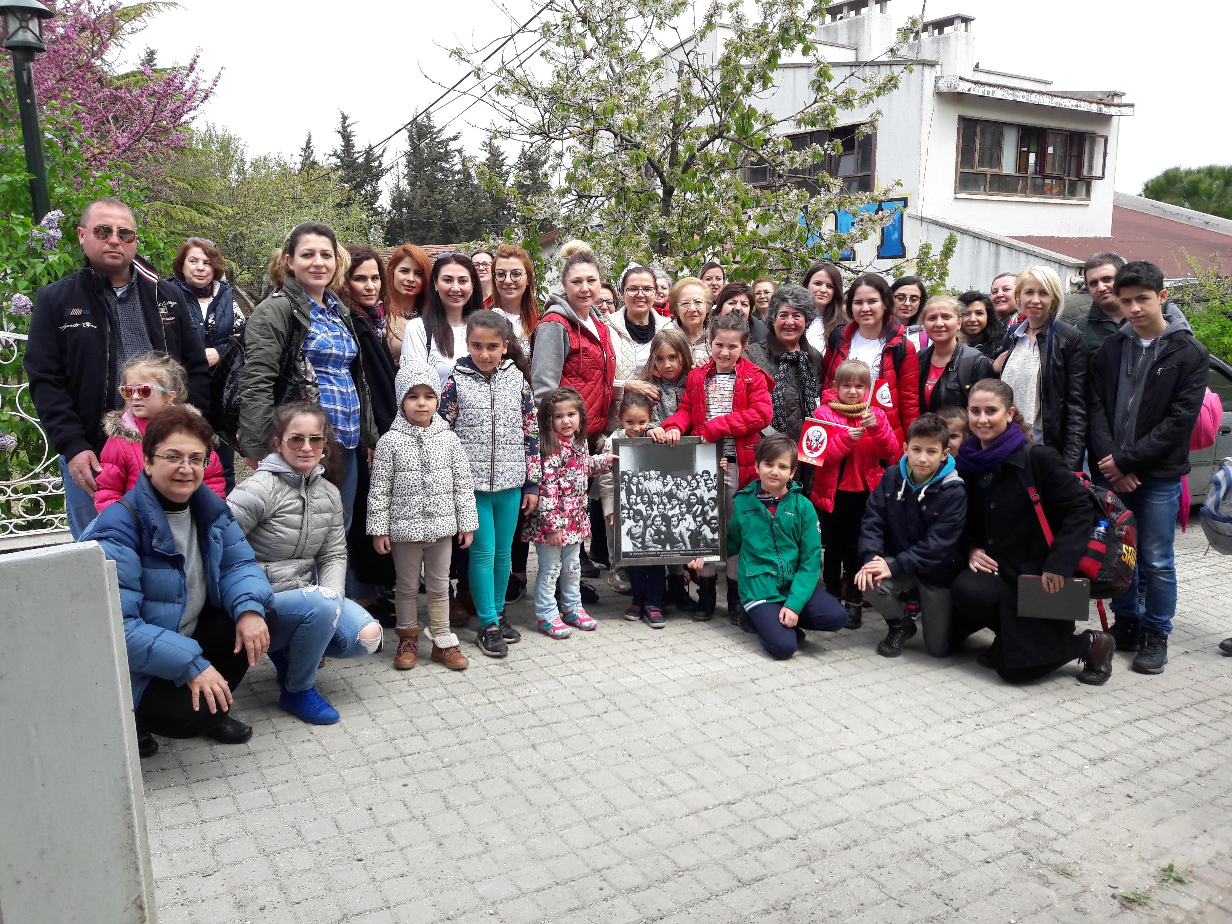 23 Nisan şenlikleri için Aziz Nesin Vakfında doyasıya eğlendik.