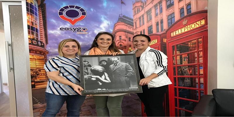 Easygo Kurucusu ve Etkinliklerimizin destekçisi Sn. Müge Varıcıoğlu'nu dershanesinde ziyaret ettik.